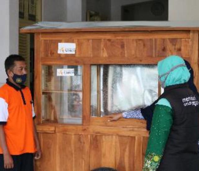Gerobak Ke 4 Diawal Tahun untuk Penjual Soto Depan Aisyiyah